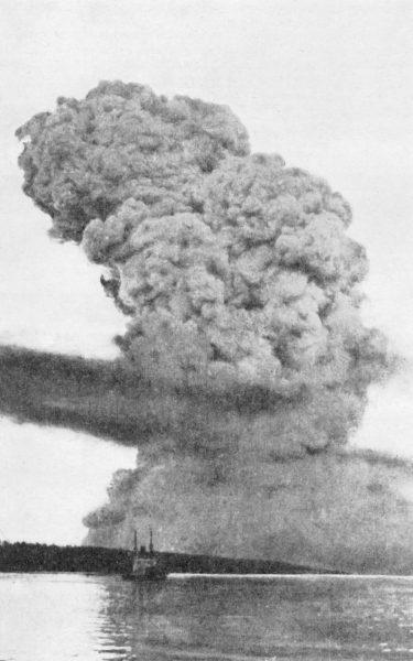 Chmura jaka powstała po eksplozji