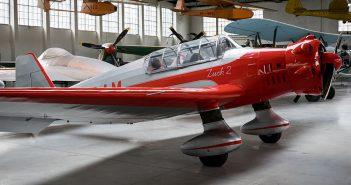 Samolot szkolno-akrobacyjny LWD Zuch