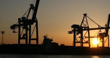 Import towarów w procedurze uproszczonej - na czym polega i jakie są zasady?