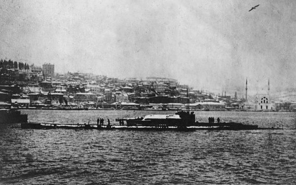 Jeden z okrętów typu M