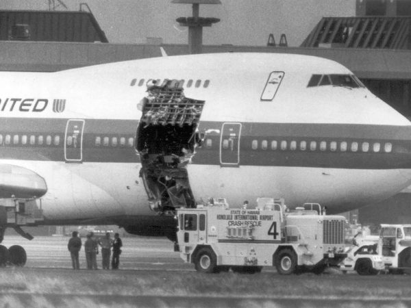 United Airlines 811