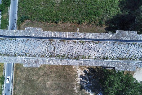 Akwedukt Vanvitellego (fot. ElfQrin/Wikimedia Commons)