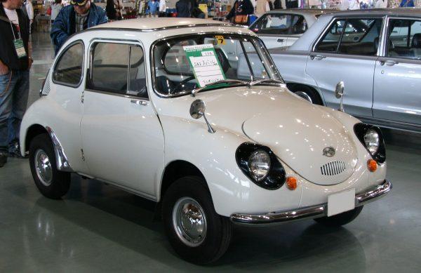 Subaru 360 (fot. TTTNIS/Wikimedia Commons)
