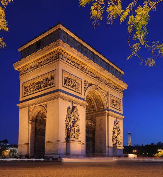 Łuk Triumfalny w Paryżu (fot. Benh Lieu Song)
