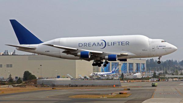 Boeing Dreamlifter (fot. Ken Fielding/Flickr.com)