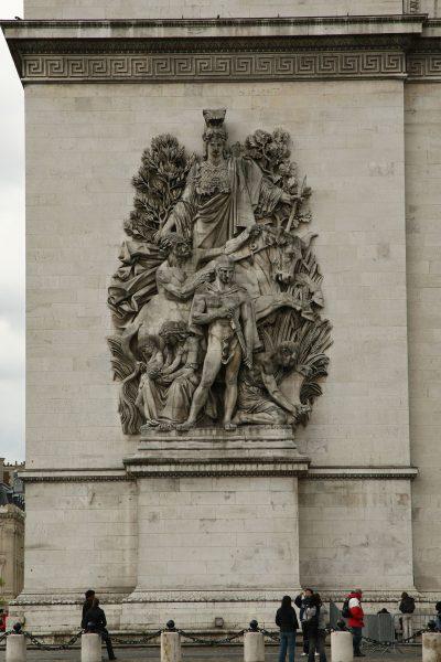 Łuk Triumfalny w Paryżu (fot. zbiory autora)