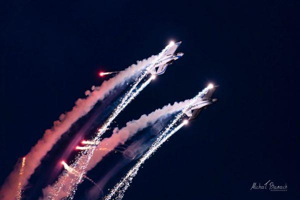 Vans RV-4 - Fireflies Aerobatic Display Team (fot. Michał Banach)