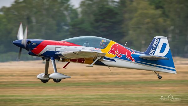 XtremeAir Sbach 342 - The Flying Bulls Aerobatic Team (fot. Michał Banach)
