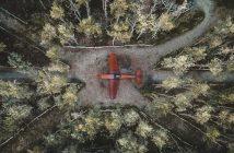 Myśliwiec ukryty w lesie w Holandii - Schijnvliegveld de Kiek