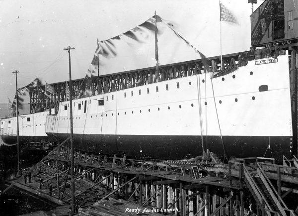 USS Nashville (PG-7) - na drugim planie