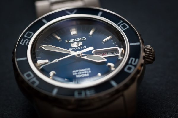 Seiko 5 Sports (fot. Daniel Zimmermann/Wikimedia Commons)