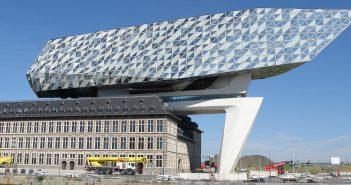 Niesamowity budynek Zarządu Portu w Antwerpii