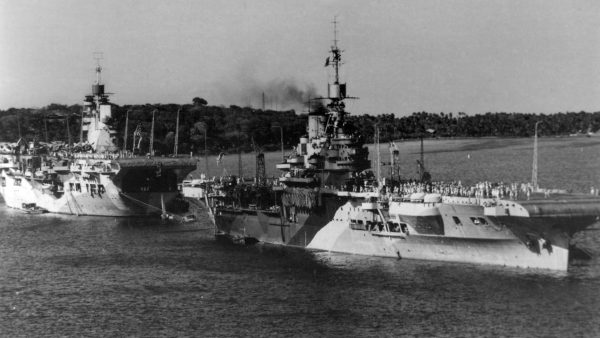 HMS Unicorn (I72) i HMS Illustrious w 1944 roku