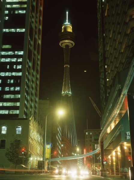 Sydney Tower (fot. Sardaka/Wikimedia Commons)