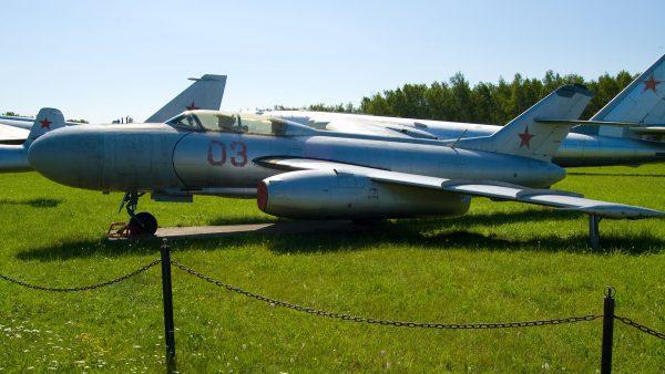 Jakowlew Jak-25 (fot. Maarten/Wikimedia Commons)