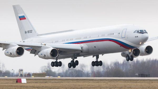 Ił-96-400 (fot. Dmitry Terekhov)