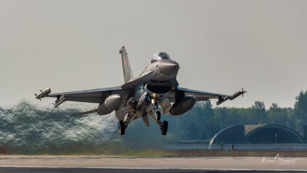 Lockheed Martin F-16C Jastrząb (4041) (fot. Michał Banach)