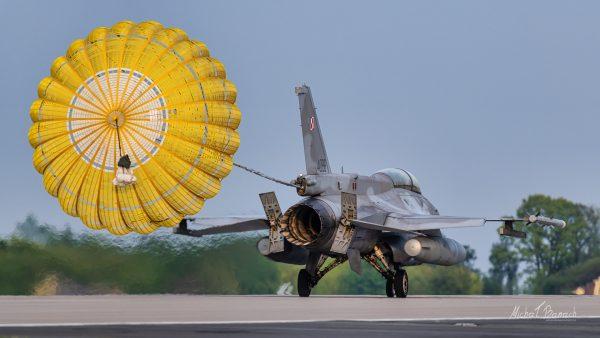 Lockheed Martin F-16D Jastrząb (4086) (fot. Michał Banach)