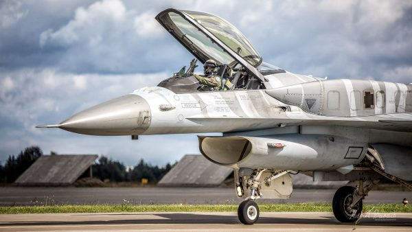 Lockheed Martin F-16C Jastrząb - Tiger Demo Team Poland (4056) (fot. Michał Banach)