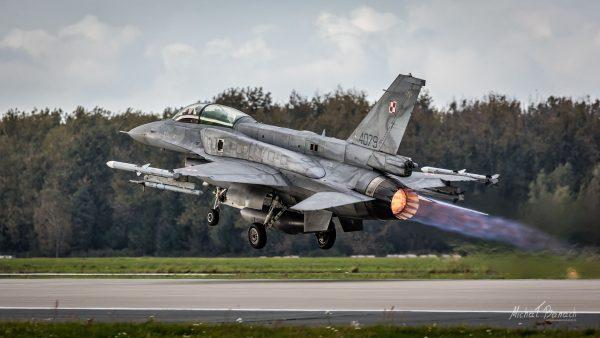 Lockheed Martin F-16D Jastrząb (4079) (fot. Michał Banach)