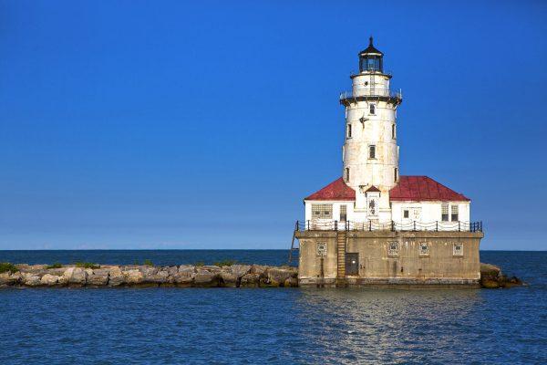Chicago Harbor Light (fot. Olga1969/Wikimedia Commons)