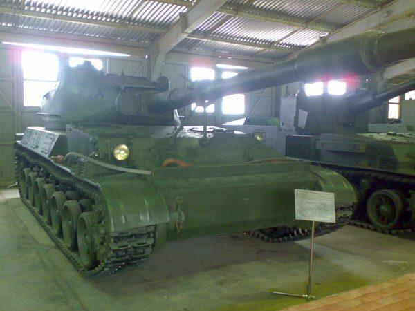 SU-152 Taran (fot. Smell U Later/Wikimedia Commons)