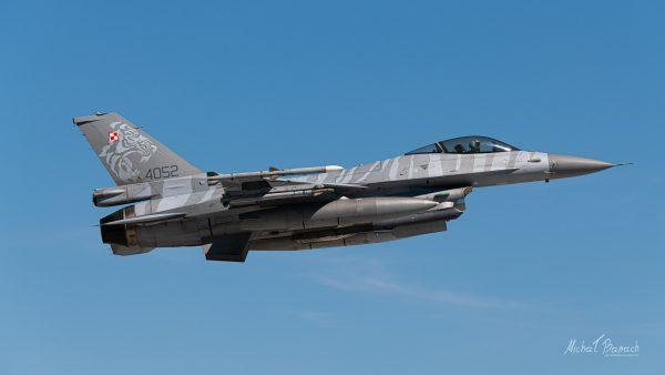 Lockheed Martin F-16C Jastrząb (4052) (fot. Michał Banach)