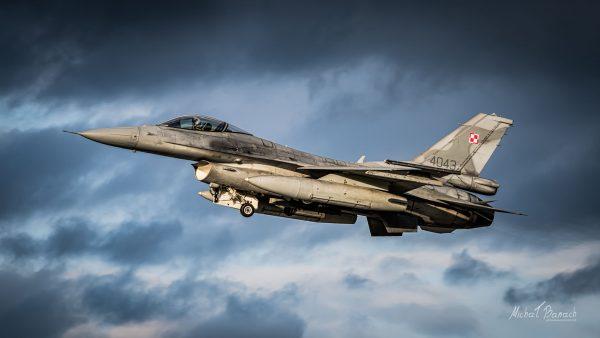 Lockheed Martin F-16C Jastrząb (4043) (fot. Michał Banach)