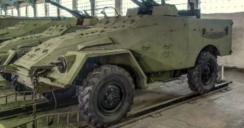 BTR-40 - pierwszy radziecki transporter opancerzony piechoty