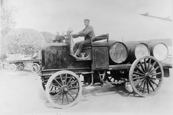 Daimler Motor Lastwagen (fot. Wikimedia Commons)