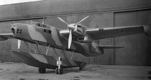 Blackburn B-20