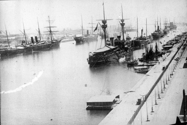 Hiszpańska flota w Kanale Sueskim w 1898 roku