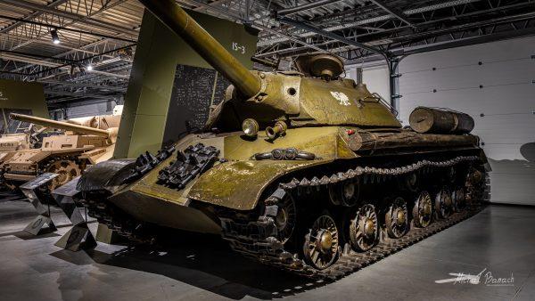 IS-3 w Muzeum Broni Pancernej w Poznaniu (fot. Michał Banach)