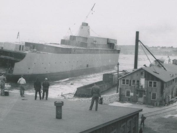 Wodowanie SS Badger (fot. Mason County Historical Society)