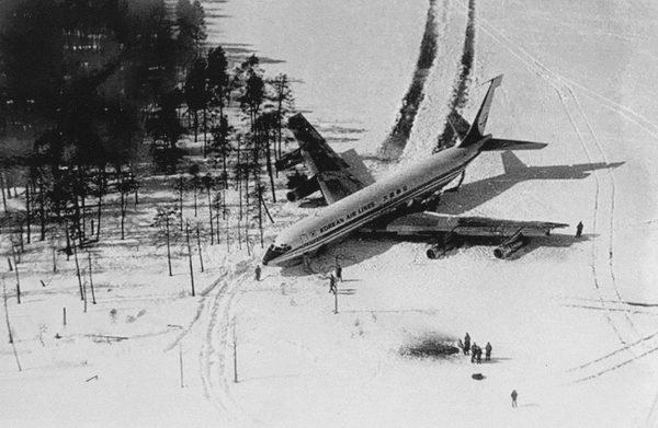 Rozbity Boeing 707 lot KAL 902