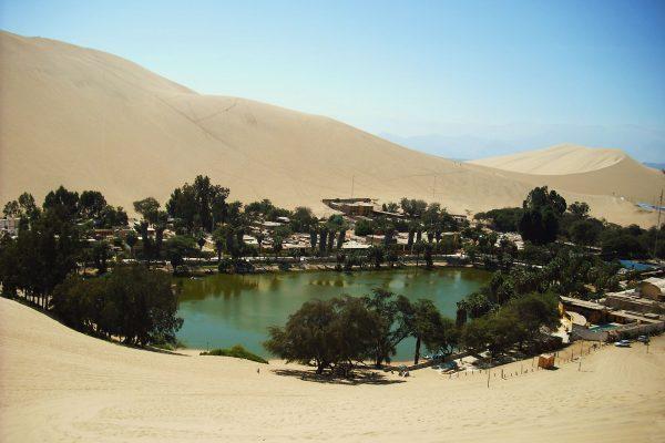 Huacachina (fot. Charles Gadbois)