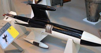 Ruhrstahl X-4 - pierwszy kierowany pocisk powietrze-powietrze