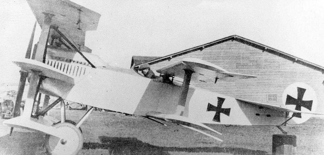 Fokker V.8 - pięciopłatowiec który nie powinien powstać