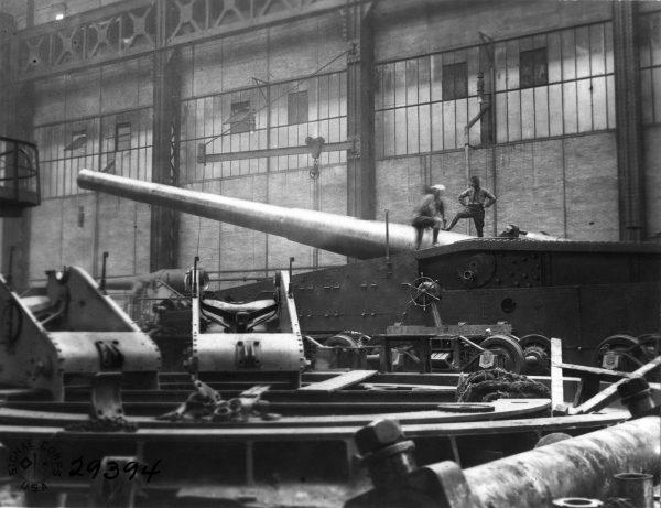 "14""/50 caliber railway gun (fot. National Museum of the US Navy)"